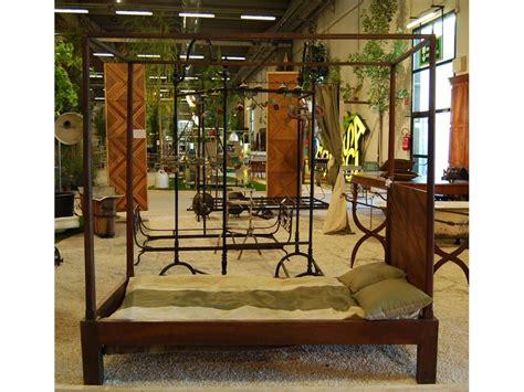 letto a baldacchino antico letto antico a baldacchino in legno di noce novit 224 8055