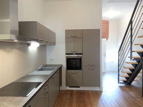 entr馥 cuisine escalier entre cuisine et salon escalier entre cuisine