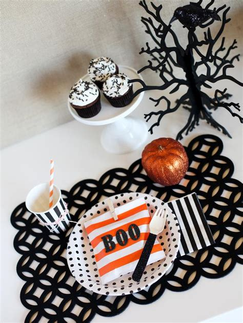 how to make easy halloween decorations at home fun easy to make halloween decorations diy home decor