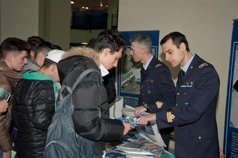 concorsi banche per diplomati concorso aeronautica militare posti come allievi
