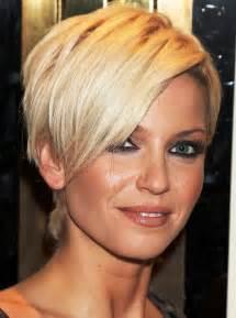 Sarah harding short hair cut hairstyles for women