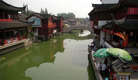 Yn042 C Shanghai Qibao explore china s ancient water towns travel smithsonian