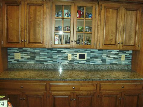 Glass Tile Kitchen Backsplash Pictures Knapp Tile And Flooring Inc Glass Tile Backsplash