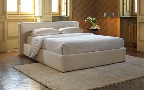 letto contenitore imbottito letto lucas imbottito letti letti design letti moderni