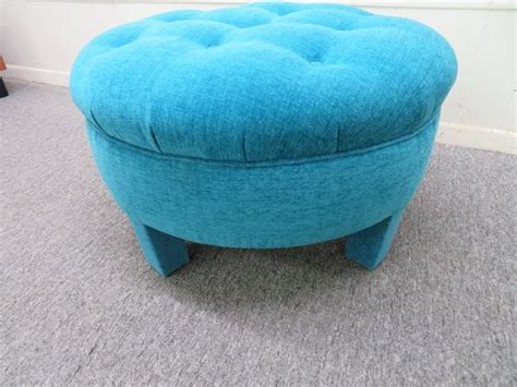 mid 20th century big round ottoman pouf for sale at 1stdibs excellent mid century round tufted pouf upholstered