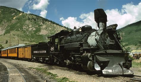 official durango silverton narrow gauge railroad train file train by the durango and silverton narrow gauge