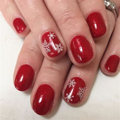 whats new in nail styles what s your favorite holiday nail trend