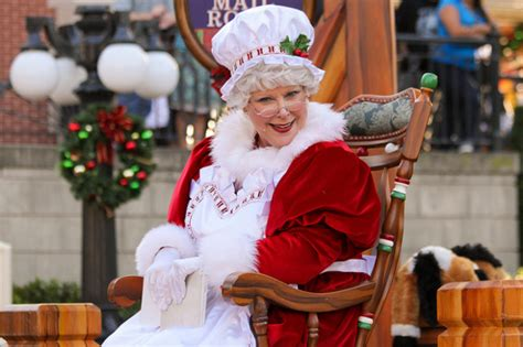in the harvard hotseat mrs claus harvard tech