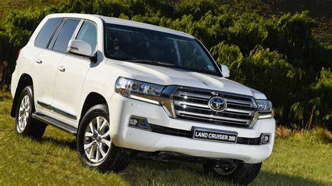 2019 toyota land cruiser 200 new 2019 toyota land cruiser 200 pictures toyota