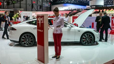 Tesla S Maintenance Tesla Model S Manufacturer To Fix Bugs Gained Access