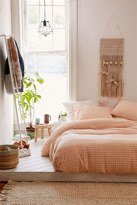 peach colored bedrooms 17 best ideas about peach bedroom on pinterest peach