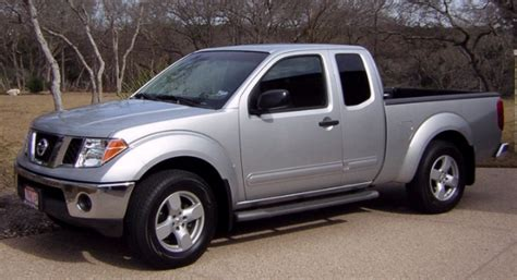 how to work on cars 2005 nissan frontier 2005 nissan frontier information and photos momentcar