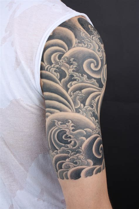 mens sleeve tattoo designs black and grey half sleeve designs black and white ellenslillehjorne