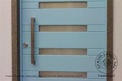 portone ingresso portone ingresso in legno massello tinta ral con vetri piccoli