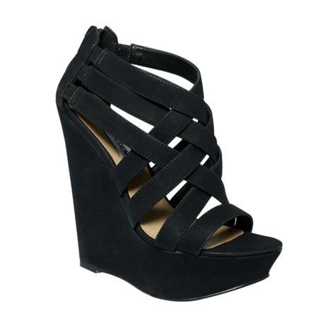 steve madden platform sandal lyst steve madden xcess platform wedge sandals in black