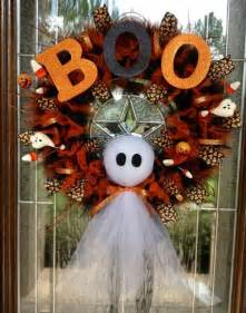 Halloween Craft Decorations - 40 cool halloween wreaths for any space digsdigs