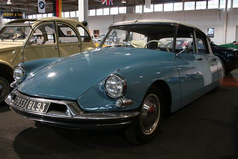 Citroen Ds19 by Citroen Ds19 Information And Photos Momentcar