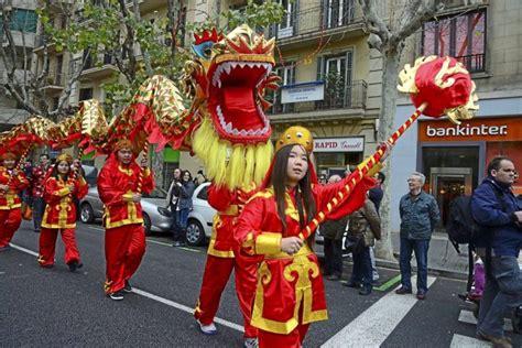 Barcelona Chion | los dragones volar 225 n en barcelona catalu 241 a el mundo
