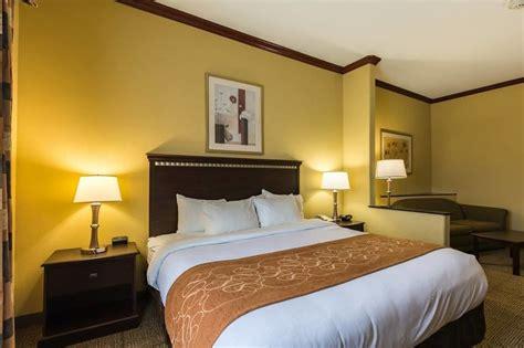 hotel rooms in galveston comfort suites galveston in galveston hotel rates reviews on orbitz