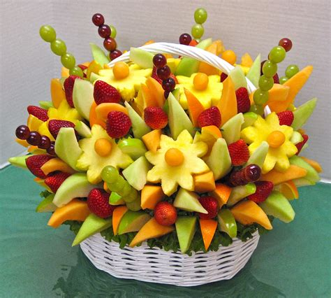 edible arrangements centerpieces edible arrangement crazeedaisee
