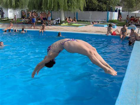 piscina in hostal restaurante bayo te regala bono de piscina en