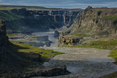 300 Feet To Meters by J 246 Kuls 225 Rglj 250 Fur Near Hafragilsfoss Vatnaj 246 Kull National Flickr