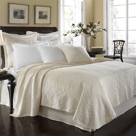 white matelasse coverlet king the discount king charles matelasse coverlet review home