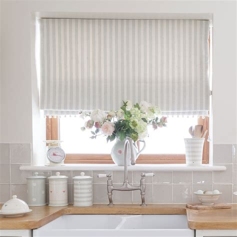 kitchen blind ideas best 25 grey kitchen blinds ideas on white