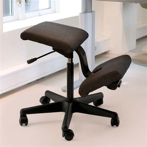 sgabello ergonomico sgabello ergonomico con ruote wing balans 174 di vari 233 r