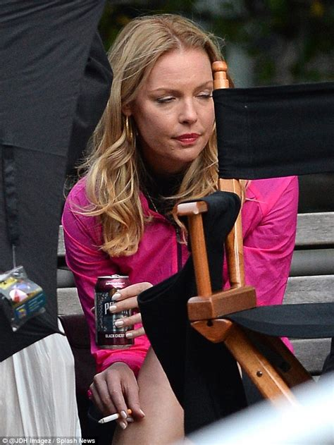 Style Katherine Heigl Fabsugar Want Need 2 by Katherine Heigl Takes A Cigarette On Set Of New Show