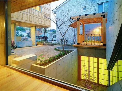 Berkeley Indoor Garden by Berkeley Courtyard House Building Plans Home Unique Combination Of Wood And Concrete In A Design