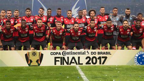 Renova, fica ou sai: oito decisões que Flamengo terá que