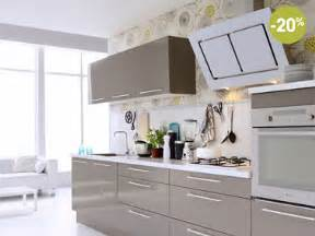Superb Chambre Taupe Et Blanc #3: Cuisine-taupe-fly-modele-mur-gris-et-papier-peint.jpg