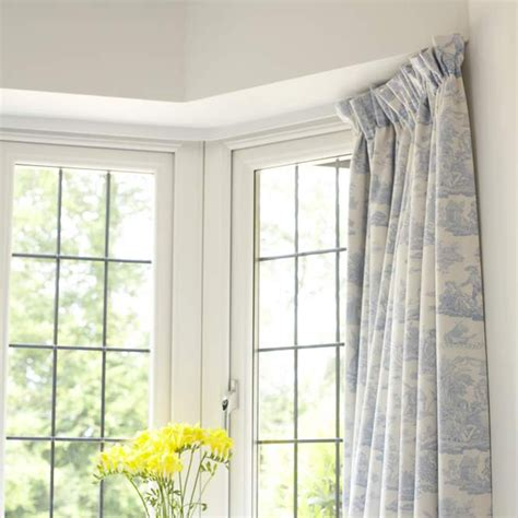 how to make curtains for a bay window make bay window curtains free sewing patterns