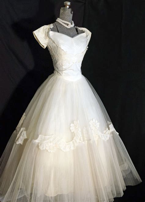 vintage 1950s wedding dresses 1950s wedding dress sz 0 by grandfunkevintage on etsy