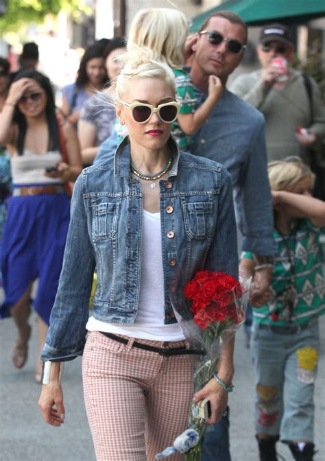 How Gwen Stefani Spent Mothers Day by Gwen Stefani Photos Photos Gwen Stefani And Family Spend