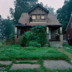 crime homes for detroit housing photographs of crumbling houses that