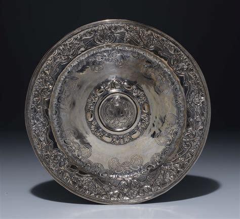 circolare 263 06 d italia piatto circolare in argento sbalzato e cesellato con