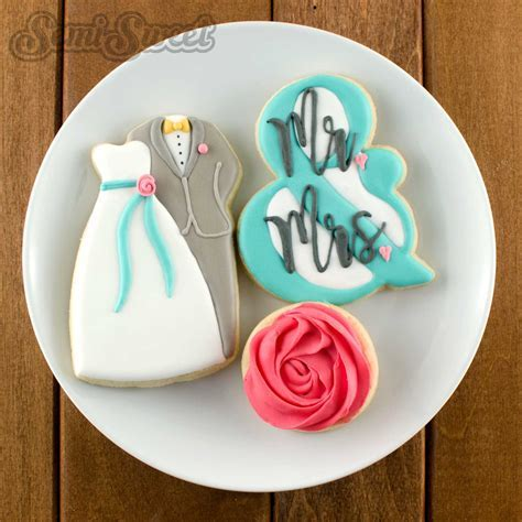 How to Make Wedding Couple Cookies   Semi Sweet Designs