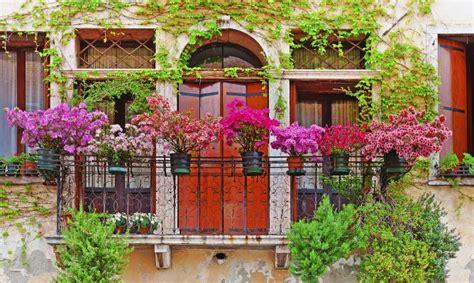 imagenes jardines y balcones 8 flores perfectas para balcones hogarmania