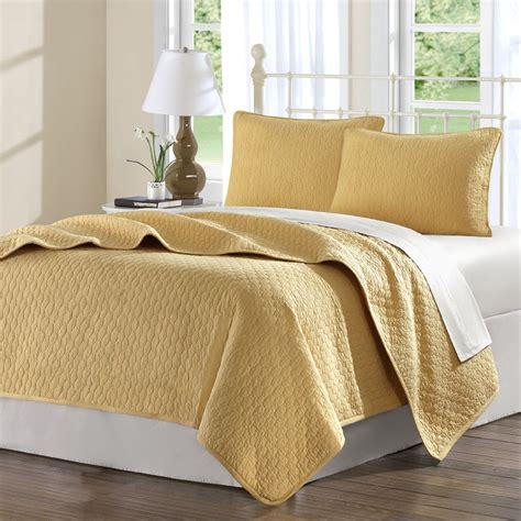 quilted bed coverlets hton hill calypso coverlet set in gold jla13 244