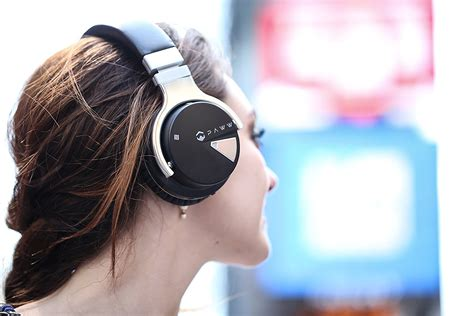 best ear headphones 15 best ear headphones 100 in 2017