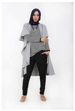 Etika Padu Padan Busana Muslim foto padu padan busana muslim modern dengan vest