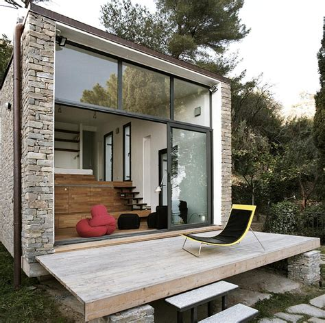 house with studio tre livelli a studio dwelling with a stepped floor plan