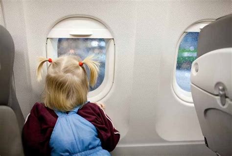 10 Tips For Flying With Baby Or Flights 10 Electronics Free Plane For Mamiverse
