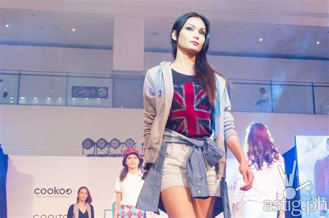 Fashion Misfit Catwalk by Wearable Technology Showcased In Tech Fashion Show Astig Ph