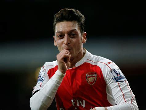 Mls League Table Wenger Hails Mesut Ozil As Dennis Bergkamp S Equal World