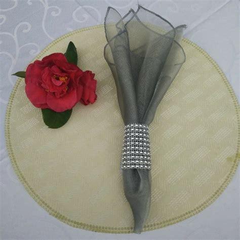 servietten deko 40 festliche formen servietten deko archzine net