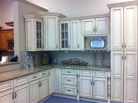 what color kitchen cabinets are in style what color kitchen cabinets are in style home design