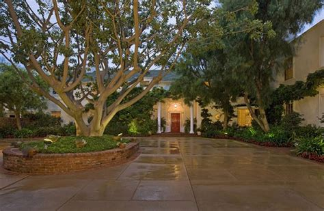 taylor swift house beverly hills taylor swift buys 25 million beverly hills estate pursuitist